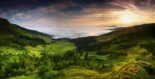 Vista panorâmica de Carpathians, Ucrânia. foto de stock