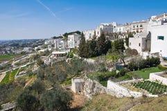Vista panorâmica de Cisternino. Puglia. Italia. imagem de stock royalty free