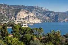 Vista panorâmica de Cote d'Azur perto da cidade de Villefranche Imagens de Stock