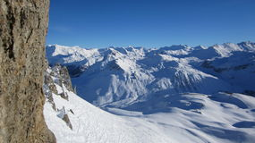 Vista panorâmica de cumes franceses em Aiguille Percé em Tignes - França Imagem de Stock