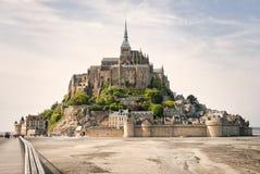 Vista panorâmica de Le famoso Mont Saint Michel imagens de stock royalty free