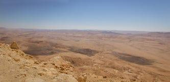 Vista panorâmica de Makhtesh Ramon imagens de stock royalty free
