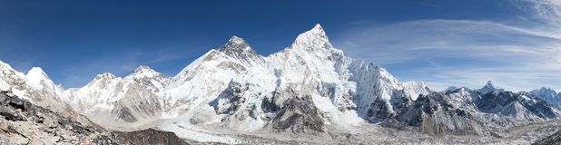 Vista panorâmica de Monte Everest com céu bonito Fotos de Stock Royalty Free