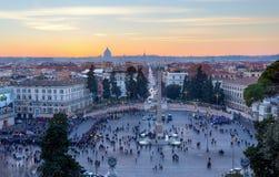 Vista panorâmica de Praça del Popolo no por do sol, Roma, Itália Foto de Stock