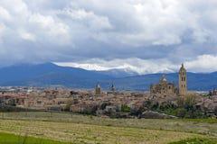 Vista panorâmica de Segovia com a igreja da catedral foto de stock royalty free