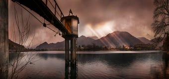 Vista panorâmica de um lago da montanha em um inverno Imagem de Stock Royalty Free