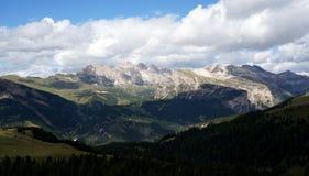 Vista panorâmica do cenário bonito da montanha da dolomite em Tirol sul Imagem de Stock