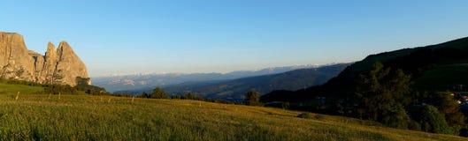 Vista panorâmica do cenário bonito da montanha da dolomite em Tirol sul Imagens de Stock Royalty Free