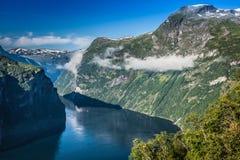 Vista panorâmica do fiorde de Geiranger, Noruega Imagens de Stock Royalty Free