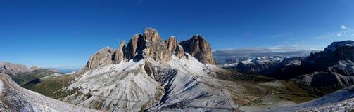 Vista panorâmica do grupo da montanha da dolomite no vale sul de Tirol/gardena Imagem de Stock Royalty Free