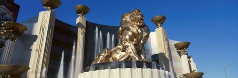 Vista panorâmica do hotel do leão e do Mgm Grand de MGM em Las Vegas, nanovolt Foto de Stock