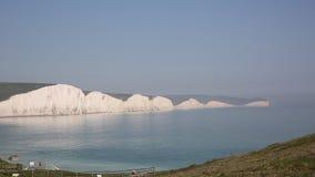 Vista panorâmica do leste de Sussex Inglaterra de sete penhascos de giz das irmãs filme