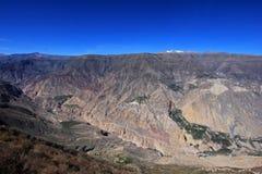 Vista panorâmica do Peru da garganta de Cotahuasi fotos de stock