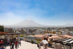 Vista panorâmica do Peru de Arequipa do distrito de Yanahuara foto de stock