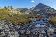 Vista panorâmica do pico dos lagos Elenski, montanha de Orlovets de Rila Foto de Stock Royalty Free