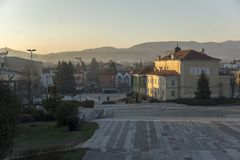 Vista panorâmica do quadrado central da cidade histórica de Panagyurishte, registro de Pazardzhik Fotografia de Stock