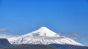 Vista panorâmica do vulcão de Villarrica, o Chile Imagem de Stock Royalty Free