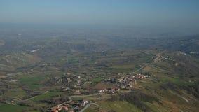 Vista panorâmica dos arredores de San Marino da parte superior filme