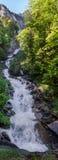 Vista panorâmica muito grande da cachoeira bonita de Oltschibach, Un Fotos de Stock