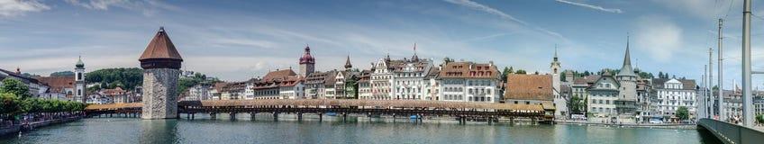 Vista panorâmica muito grande da ponte da capela ou do Kapellbrucke - cov Fotografia de Stock Royalty Free