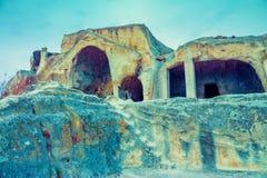 Vista panorâmica na cidade antiga Uplistsikhe da caverna Foto de Stock