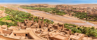 Vista panorâmica no vale de Kasbah Ait Benhaddou - Marrocos Foto de Stock Royalty Free