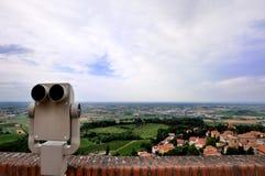 Vista panorâmico com binocular Fotos de Stock Royalty Free