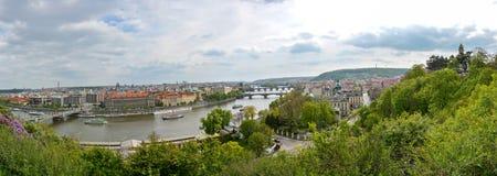 Vista panorâmico de Praga no outono foto de stock royalty free