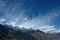 Vista panorâmico em Himalays indiano. Fotografia de Stock Royalty Free