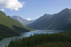 Vista panorâmico no lago Kucherlinskoe, Altai Fotos de Stock