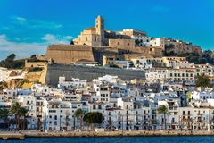 Vista panorâmica da cidade de Ibiza foto de stock