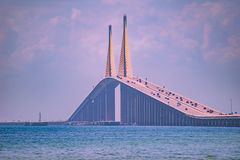 Vista panor?mica de Bob Graham Sunshine Skyway Bridge fotografia de stock royalty free