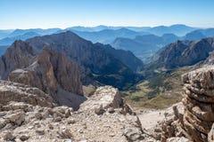 Vista panor?mica de picos de montanha famosos das dolomites, Brenta Trentino, Italy fotografia de stock royalty free