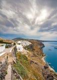 Vista panor?mica e ruas da ilha de Santorini em Gr?cia, tiro em Thira fotos de stock royalty free
