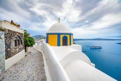 Vista panor?mica e ruas da ilha de Santorini em Gr?cia, tiro em Thira imagem de stock royalty free