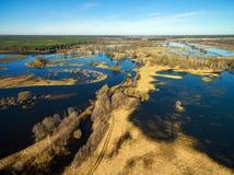 Vista panoramica aerea del fiume blu sommerso in primavera Immagini Stock Libere da Diritti