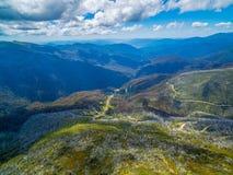 Vista panoramica aerea delle alpi australiane, Victoria, Australia Immagine Stock