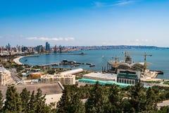 Vista panoramica alla città di Bacu Immagine Stock