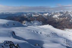 Vista panoramica alle alpi italiane dal paradiso del ghiacciaio del Cervino alle alpi, Svizzera Fotografie Stock Libere da Diritti