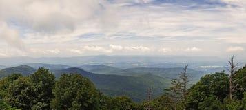 Vista panoramica dal, Ridge Parkway blu Fotografie Stock