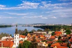 Vista panoramica dall'allerta di Gardos in Zemun, sul fiume Danubio Immagine Stock Libera da Diritti