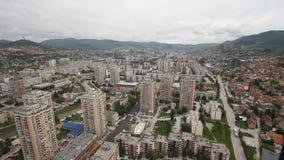 Vista panoramica dall'edificio di Bosmal su Sarajevo, Bosnia-Erzegovina archivi video