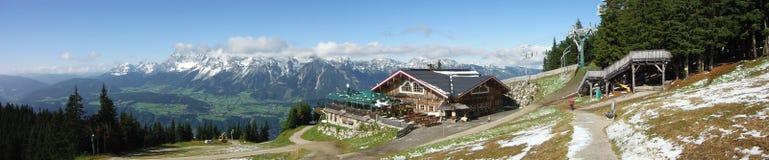 Vista panoramica dalla montagna di Planai Fotografia Stock