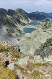Vista panoramica dei laghi Musalenski dal picco di Musala, montagna di Rila Fotografia Stock