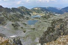 Vista panoramica dei laghi Musalenski dal picco di Musala, montagna di Rila Fotografie Stock Libere da Diritti