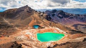 Vista panoramica dei laghi verde smeraldo variopinti e del paesaggio vulcanico, NZ Fotografia Stock Libera da Diritti