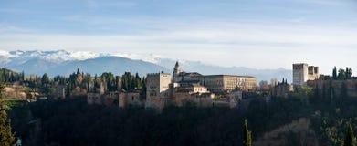Vista panoramica del castello di Alhambra fotografia stock libera da diritti