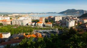 Vista panoramica del centro di Laredo Cantabria fotografie stock