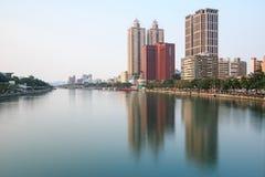 Vista panoramica del fiume di amore di Kaohsiung dal ponte sulla strada di Wufu Immagine Stock Libera da Diritti