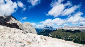 Vista panoramica del gruppo di Sella e di Langkofel, massicci in Fotografia Stock